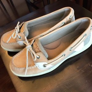 Size 8 Sperry shoes